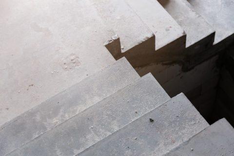 escaliers béton angle droit