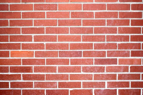 Comment entretenir un mur en brique rouge ?