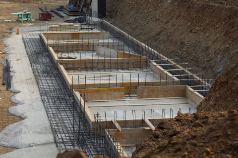 Le temps de séchage du béton pour les fondations