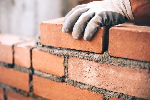 Quelles différences entre brique et parpaing ?